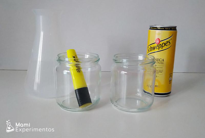 Materiales necesarios capilaridad margaritas con luz negra