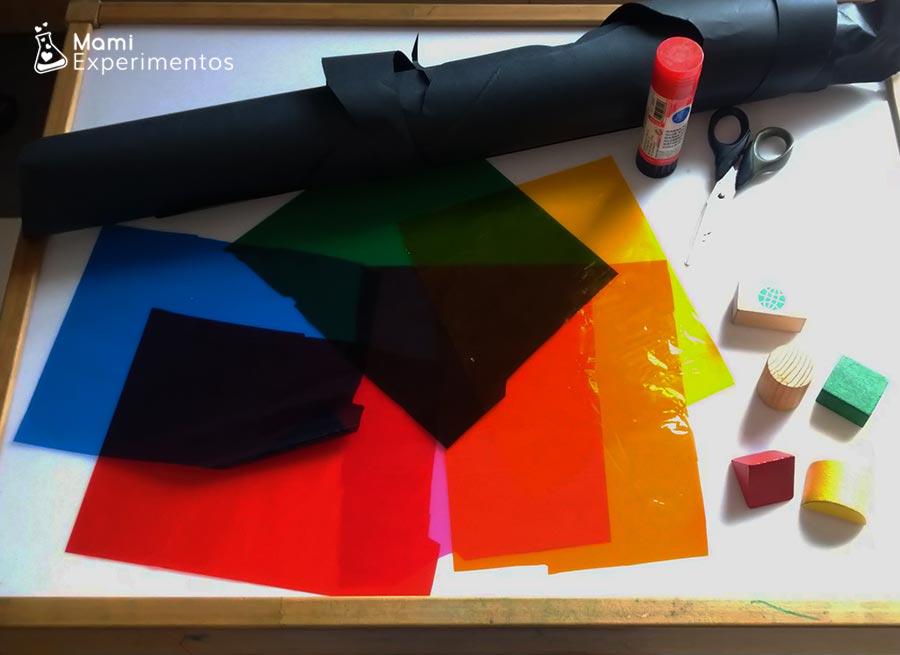 Materiales necesarios para vidriera navideña en ventana