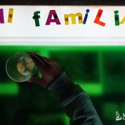 Actividad sensorial con la mesa de luz dia de las familias