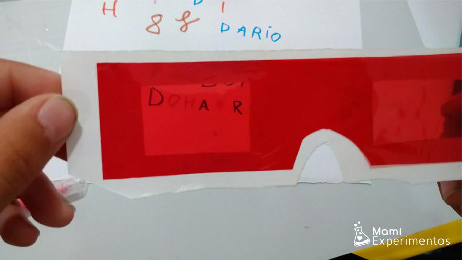 Aprendiendo a escribir mensajes secretos en taller de agentes