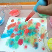 Arte con acuarelas líquidas en papel de cocina