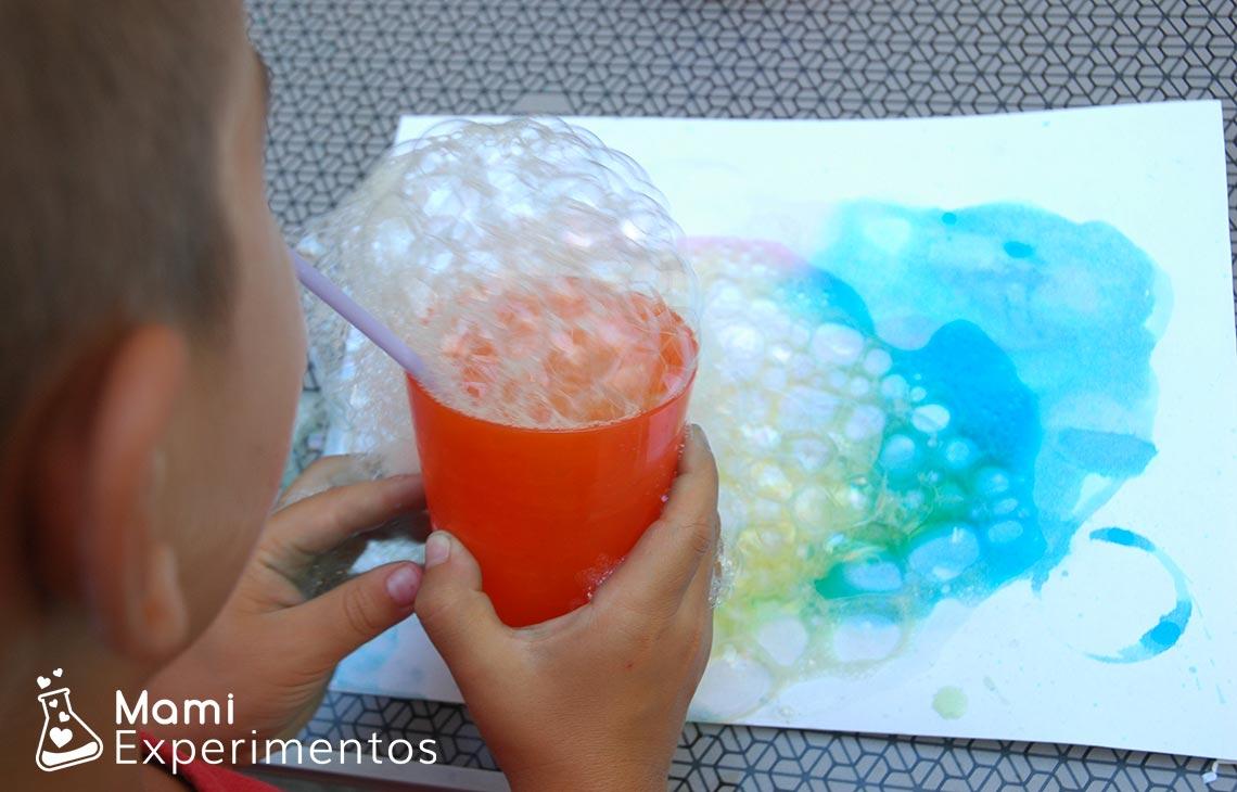 Actividad sensorial arte con burbujas