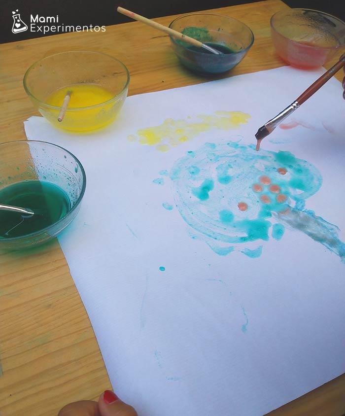 Crear arte con pintura casera de gelatina