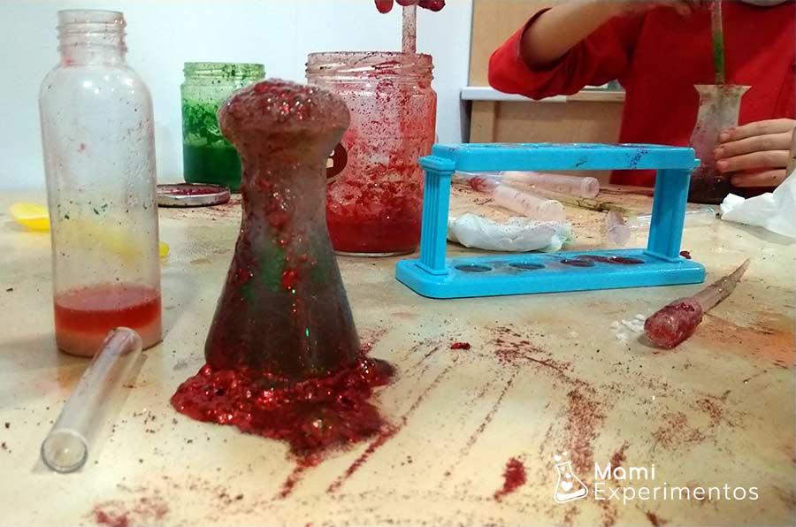 Bebida de renos con purpurina taller navideño