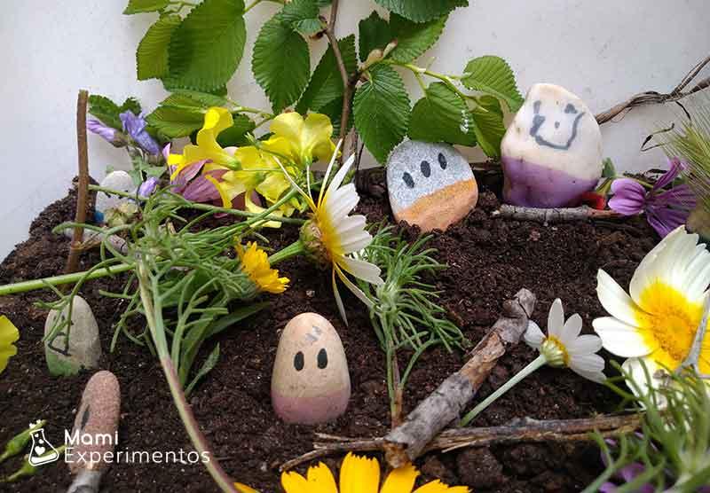 Caja sensorial primavera con piedras decoradas