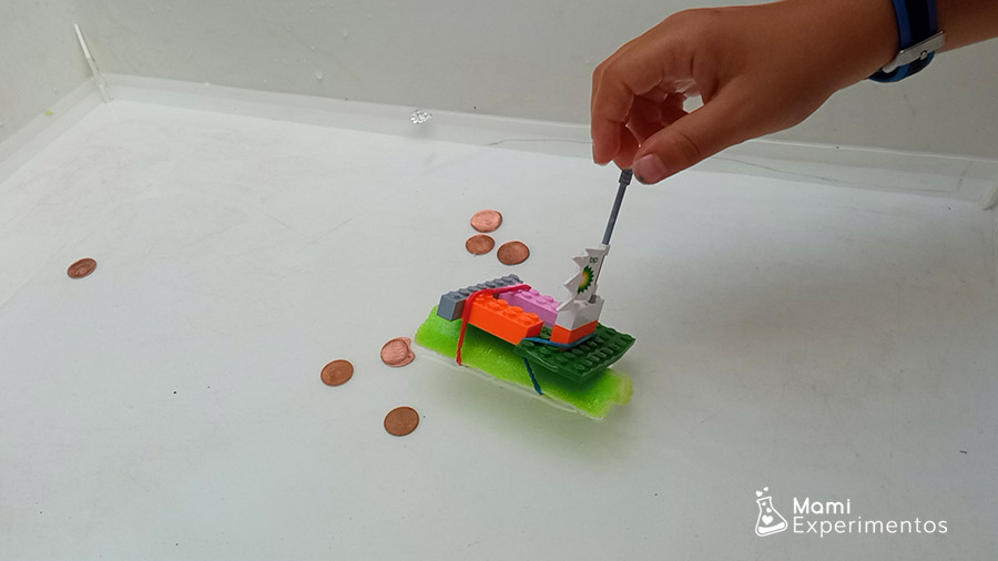 Crear barco pirata con piezas lego y ver flotabilidad
