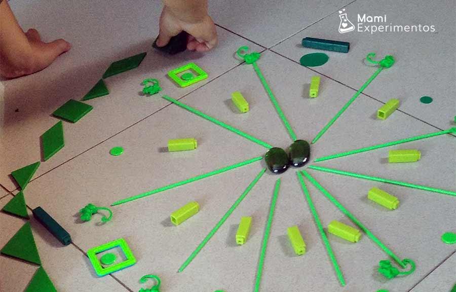 Crear patrones en mandala gigante verde