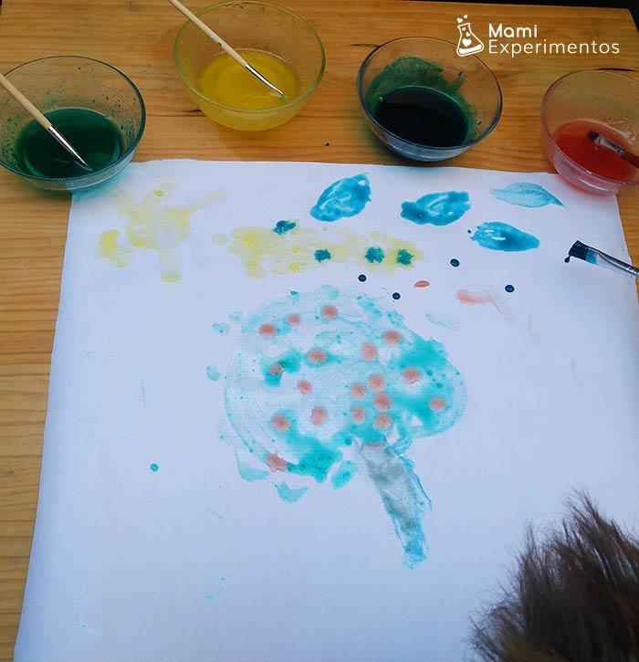 Creando arte con pintura de gelatina