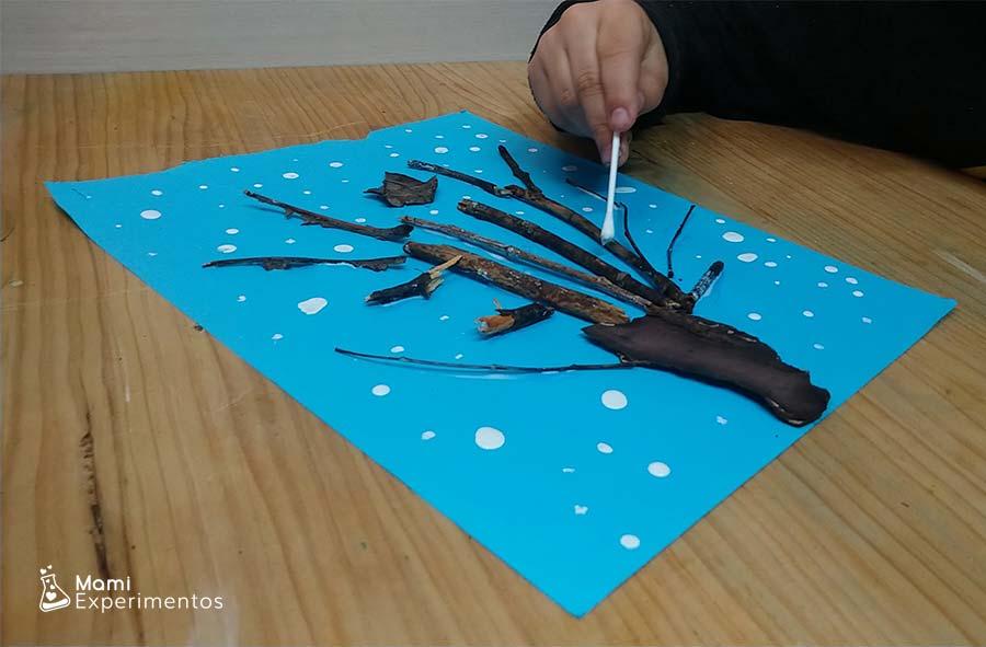 Creatividad con árbol de invierno artístico