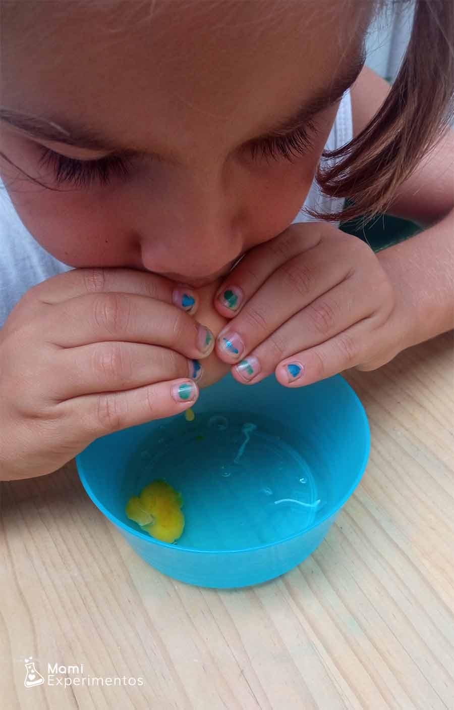 Dejando vacío huevo experimento huevo plateado