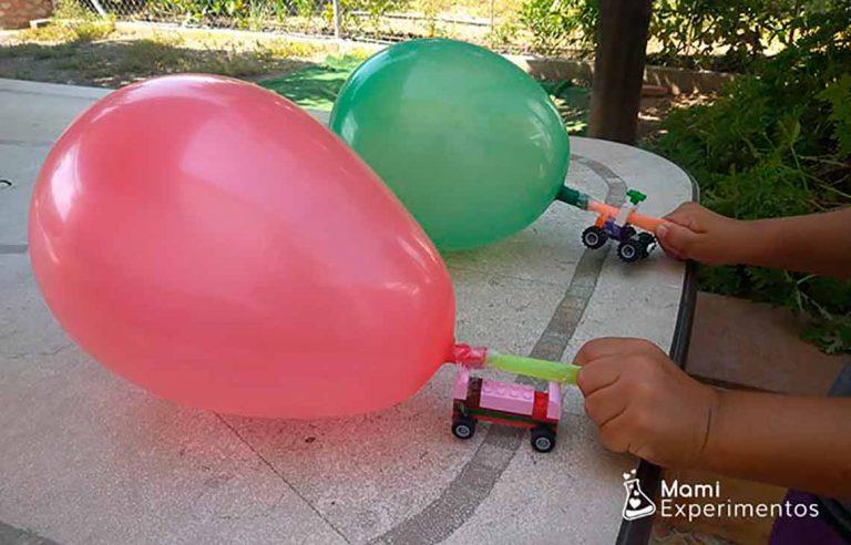 coche lego movido por un globo