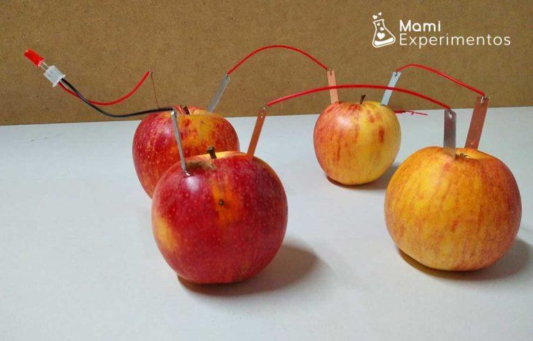 Experimento electricidad con manzanas