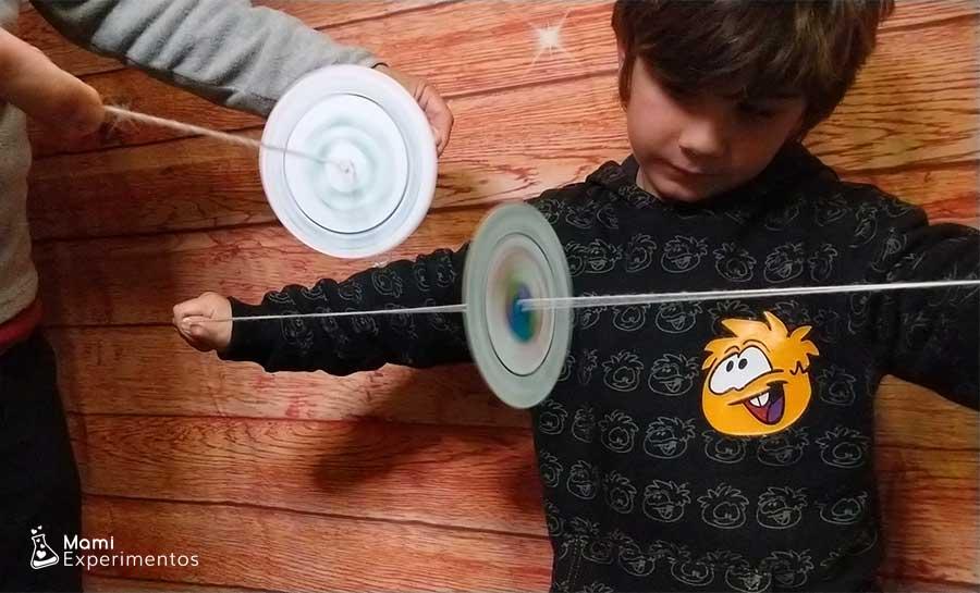 Ilusiones ópticas con spiners especial día de Andalucía