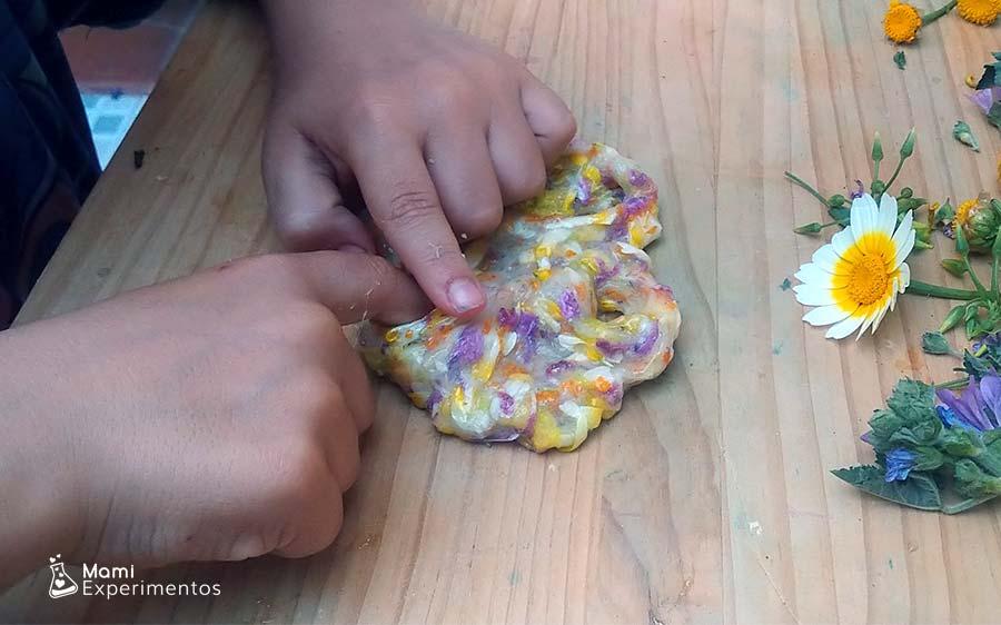 Jugando con slime flower power