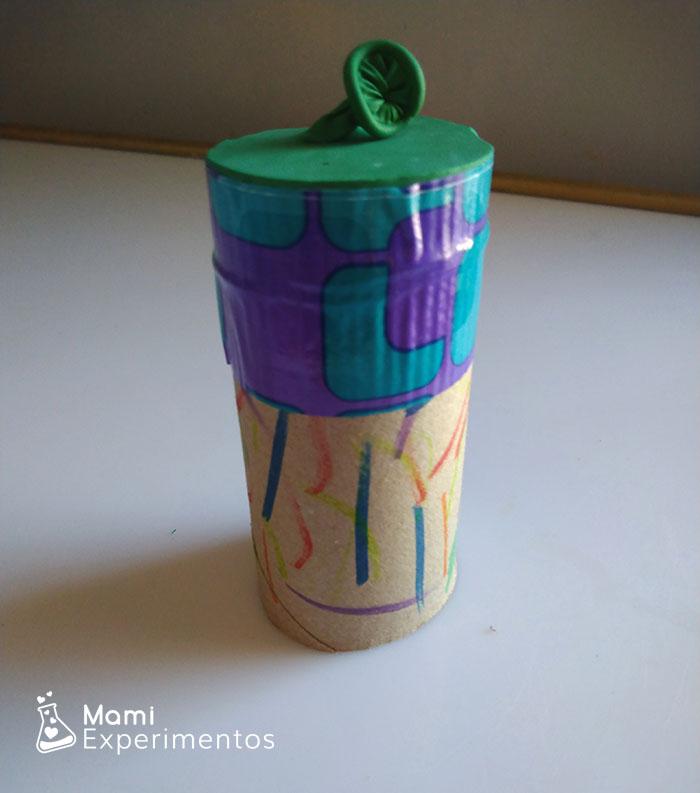 Lanzador de pompones con material reciclable