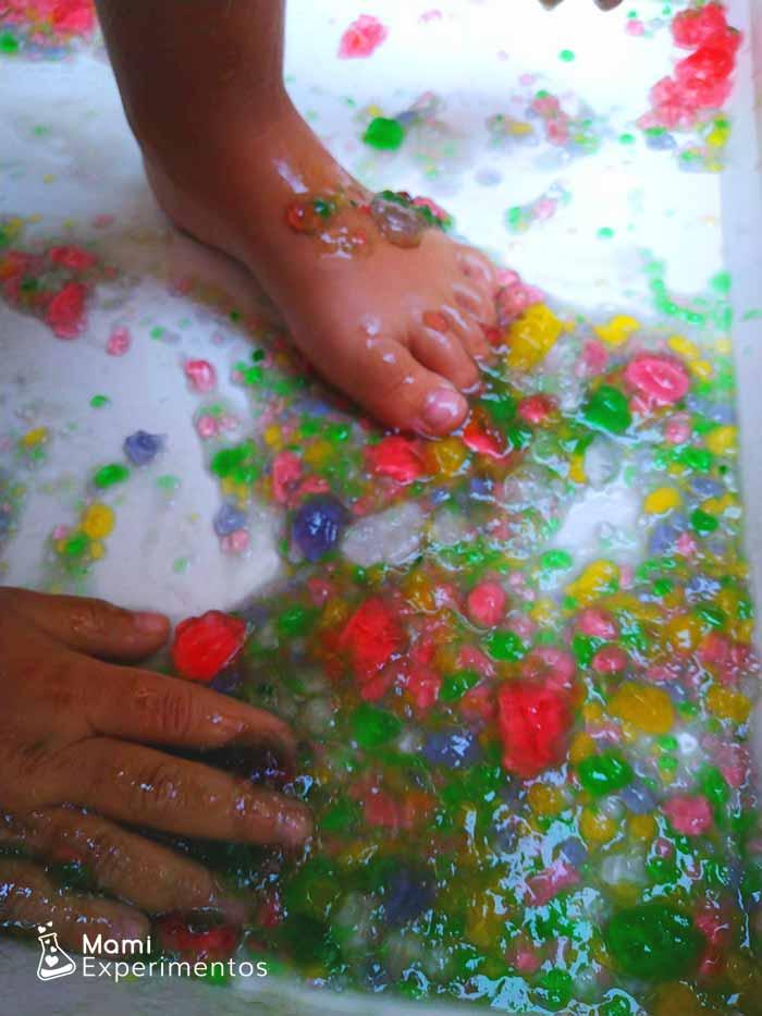 Lo divertido de jugar con gelatinas de colores