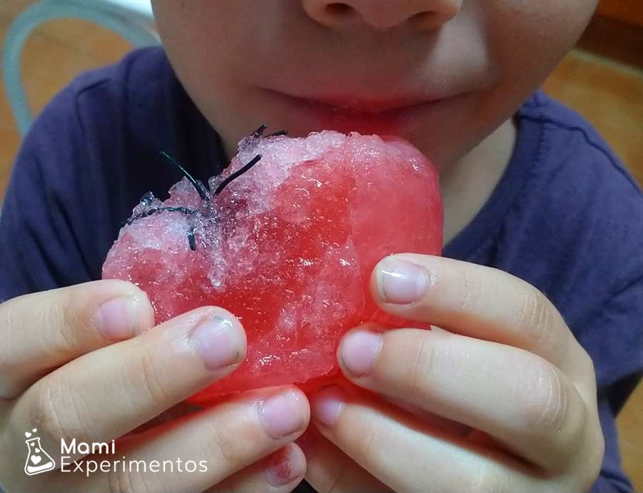 Comienzo manos de zombies de gelatina para halloween