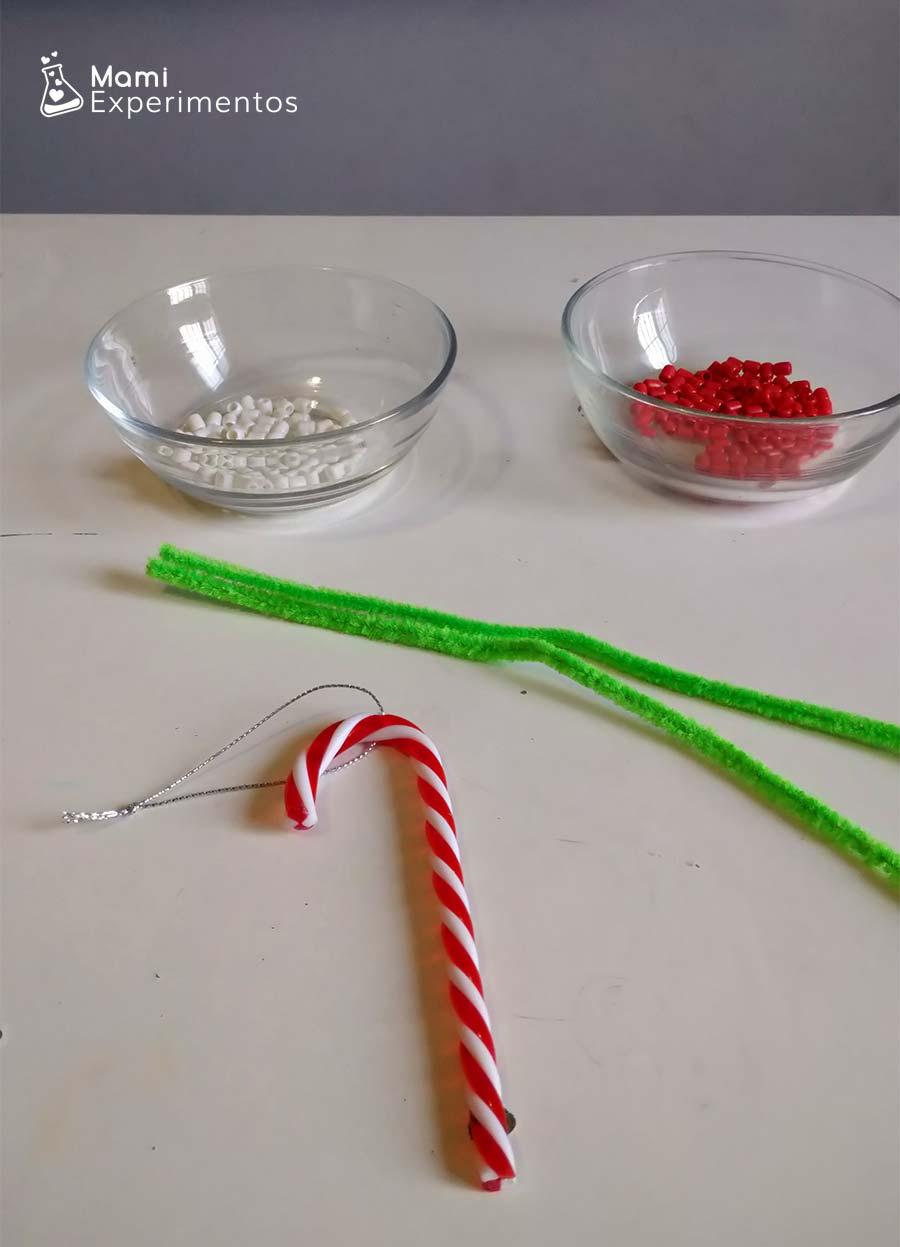 Materiales necesarios bastón decorativo con cuentas de colores