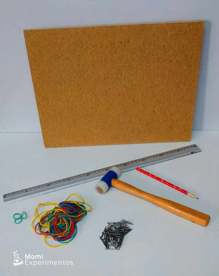 Materiales necesarios para hacer calabaza halloween en geoplano
