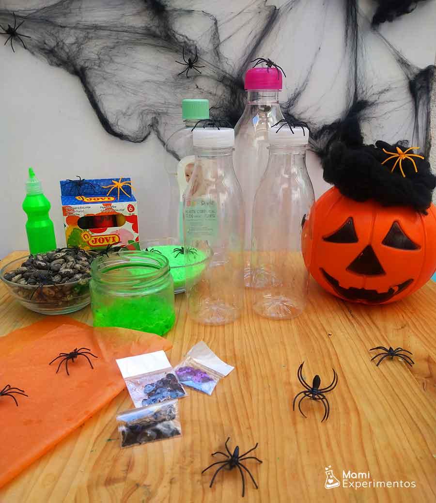 Materiales necesarios para hacer botellas sensoriales especial Halloween