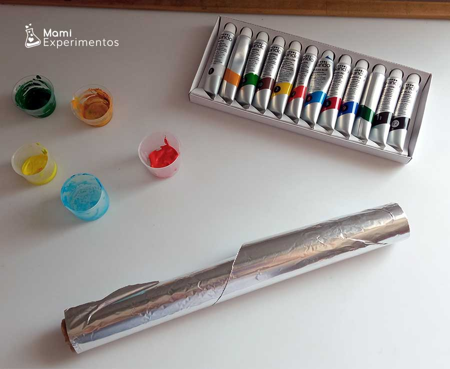 Materiales necesarios para crear arte veraniego en papel de aluminio