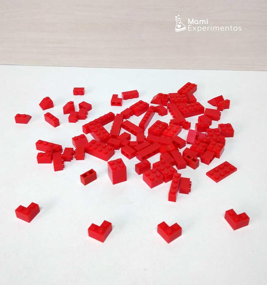 Materiales necesarios para crear corazones con lego