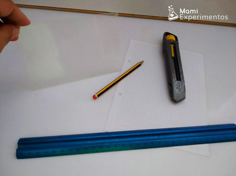 Materiales necesarios para hacer holograma casero