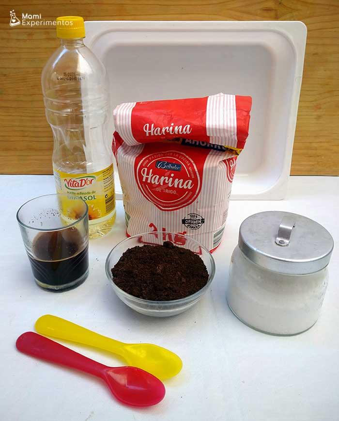 Materiales necesarios para hacer plastilina de café