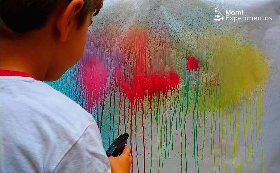 Mezclar colores pintando con pulverizadores