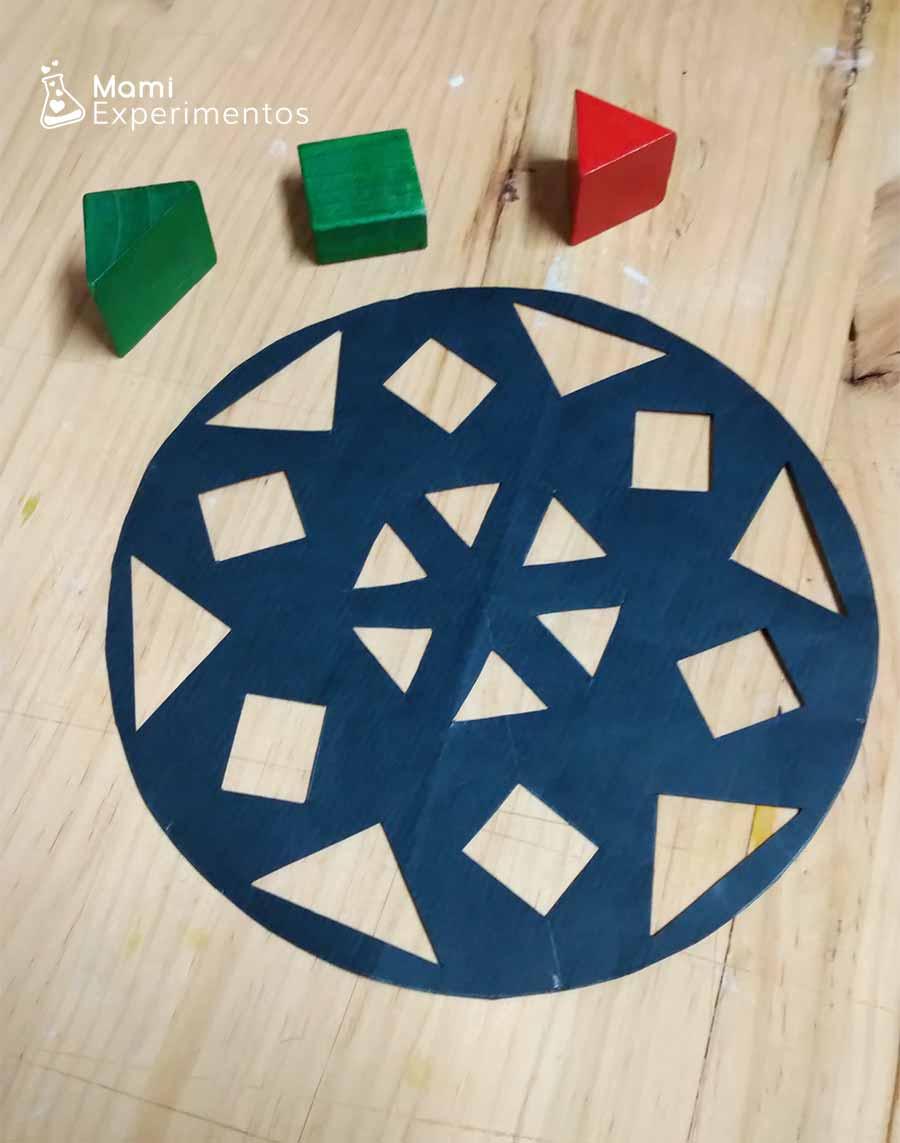 Moldes geométricos en bola navideña para ventanas