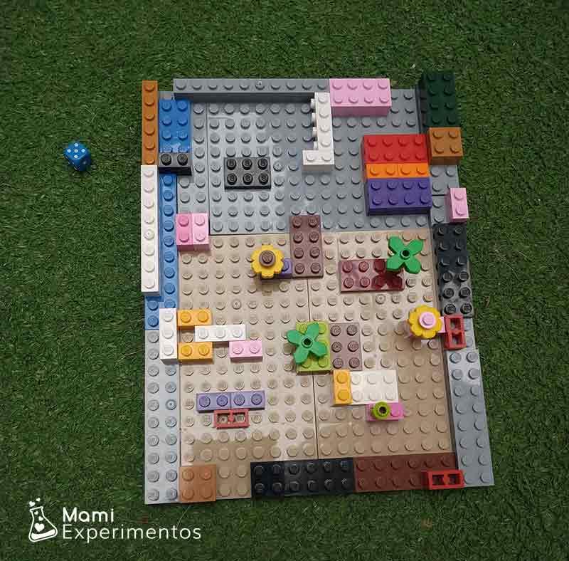 Trabajar motricidad fina con laberinto lego