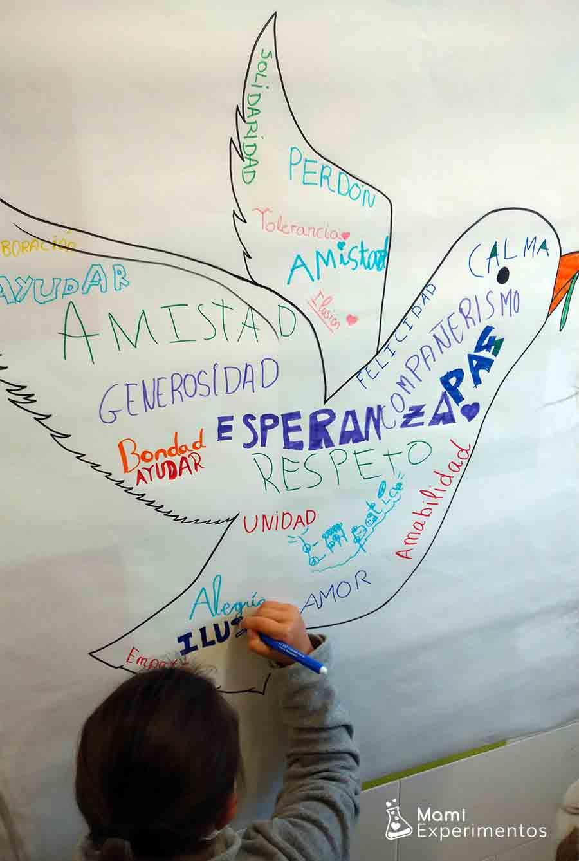 Palabras para la paz en tarro de la paz