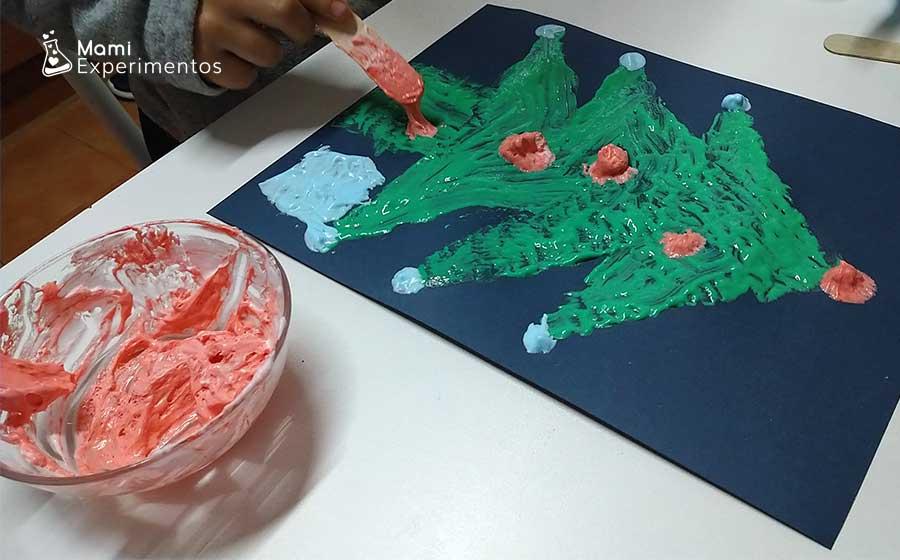 Pintando con pintura en relieve casera de espuma de afeitar