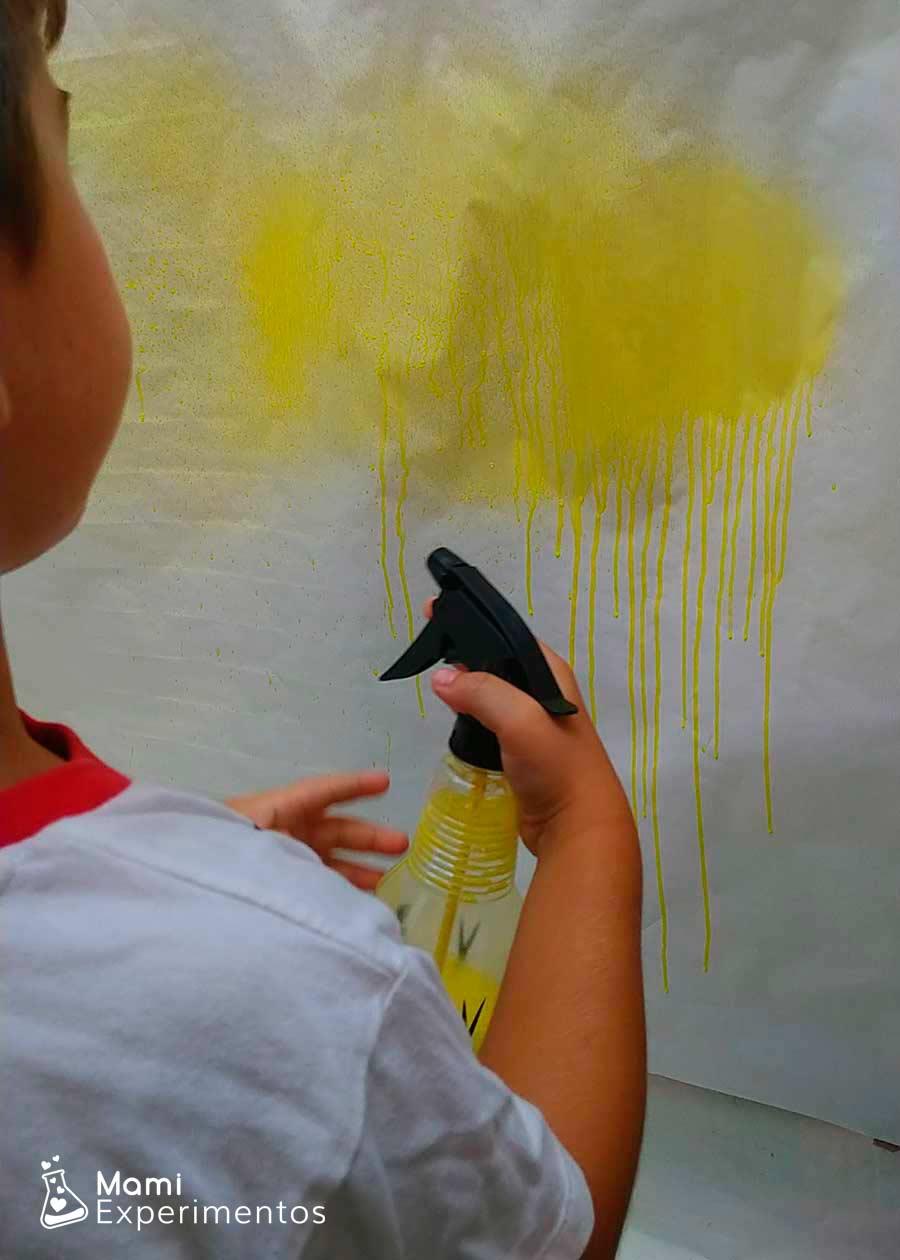 PIntar mural con pulverizadores de colores