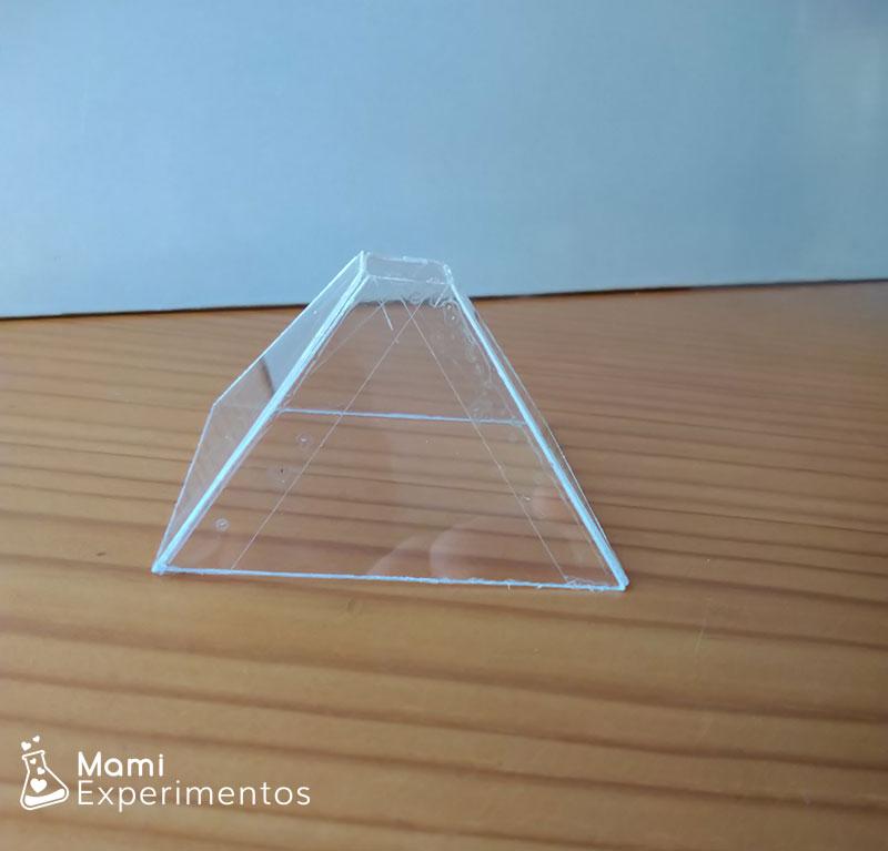 PIrámide para holograma casero