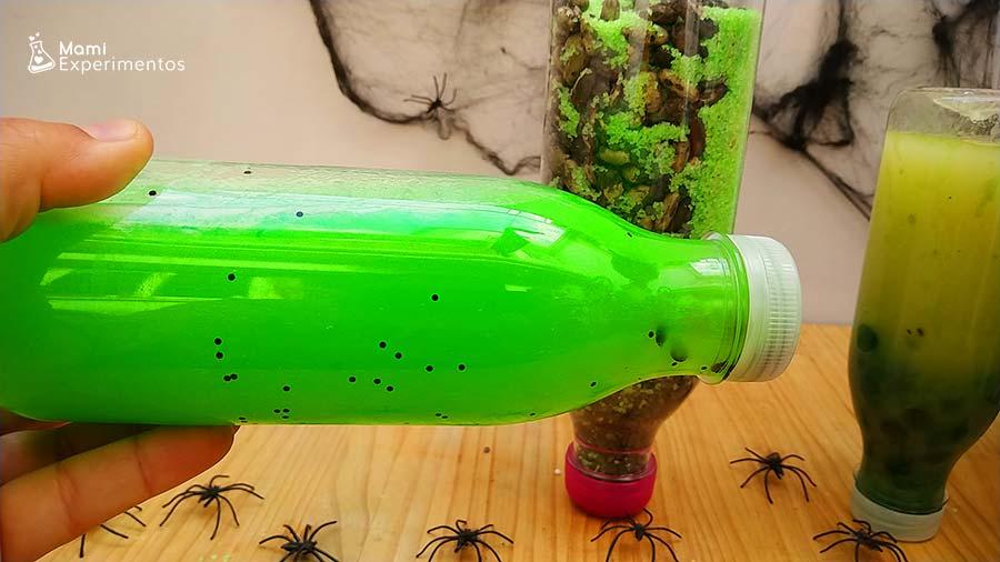 Preparando botellas sensoriales especial Halloween