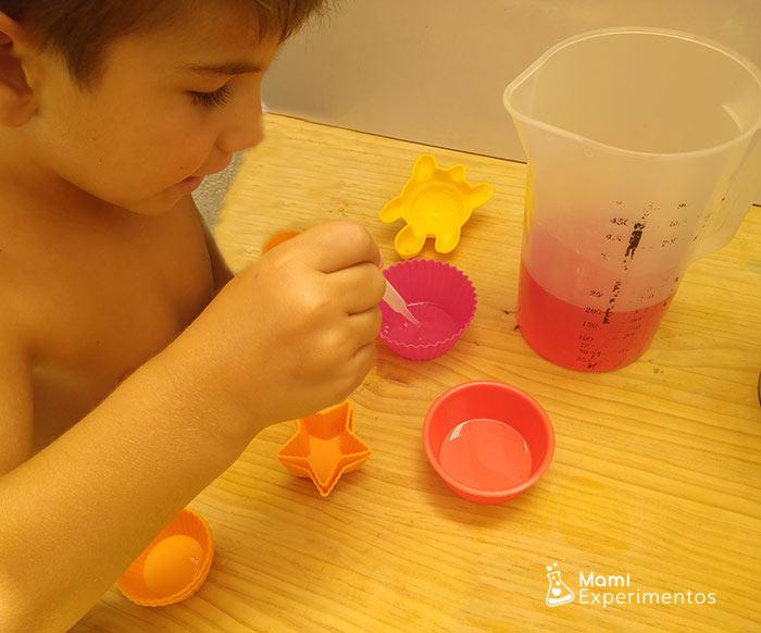 Preparando gelatinas de colores