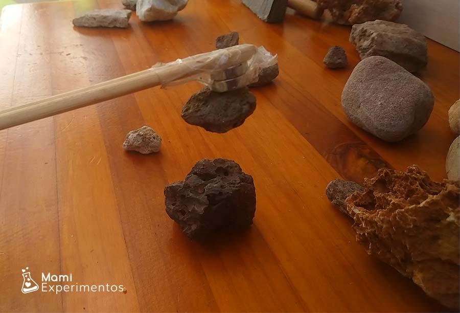 Propiedad magnética en rocas en el centro de experimentación de rocas