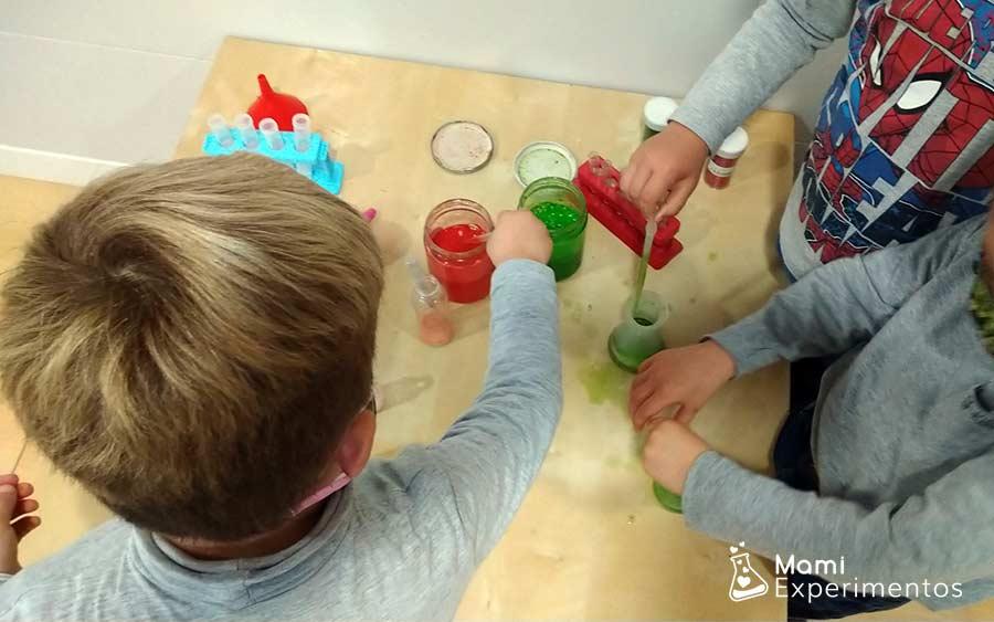 Reacciones químicas divertidas con vinagre y bicarbonato especial navidad