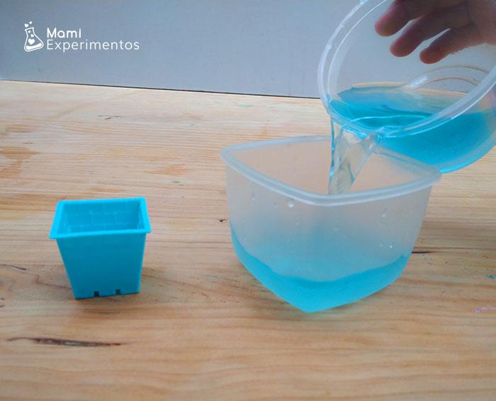 recipientes varios para hacer hielos de colores