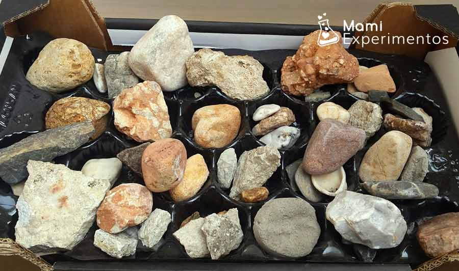 Recopilando rocas para centro de experimentación y exploración de rocas