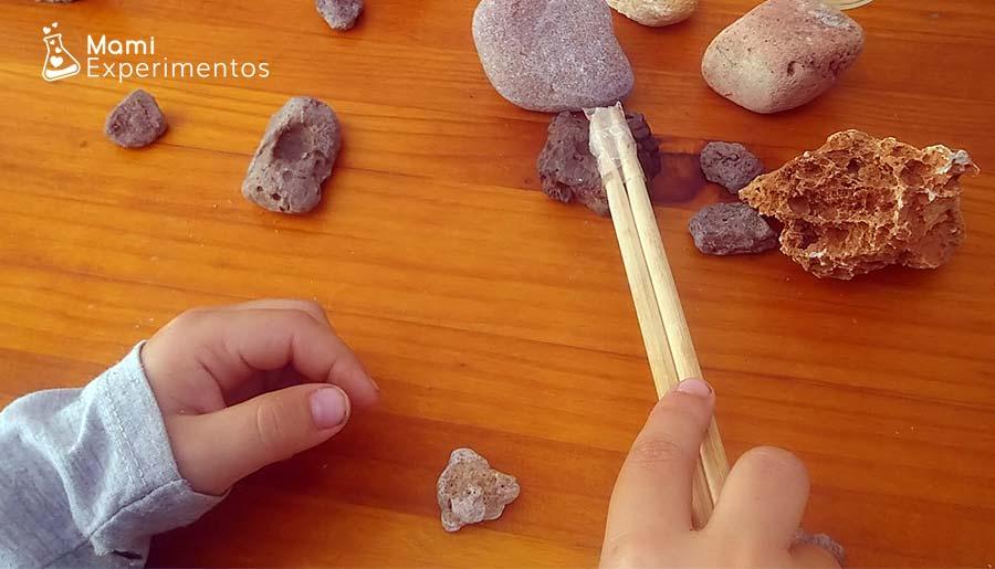 Rocas magnéticas en centro de experimentación de rocas