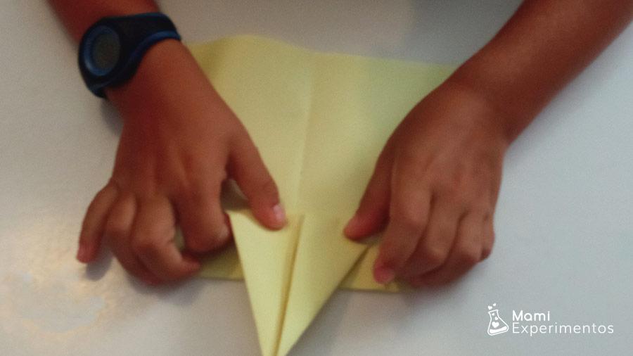 Segundo avión de diferente forma crear aviones de papel