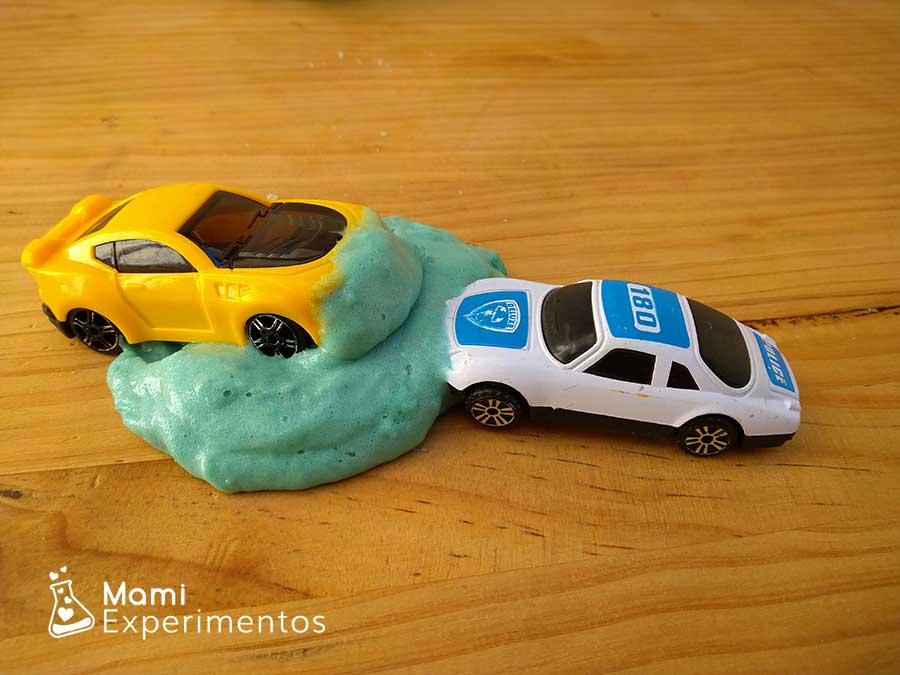 slime con champu y coches